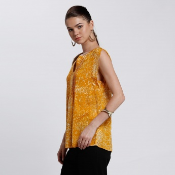 Bossini Printed Sleeveless Top with Pleated Detail