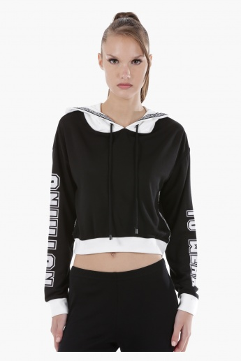 Cropped Sweatshirt with Hooded Neck and Long Sleeves in Regular Fit