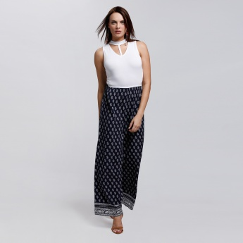 Printed Sleeveless Jumpsuit with Choker Neck