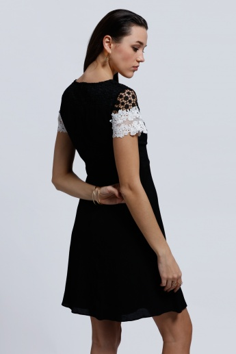 Elle Short Sleeves Round Neck Dress with Lace Detail