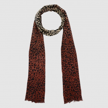 Printed Scarf with Fringed Hem