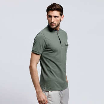 Short Sleeves T-Shirt with Flap Pocket and Contrasting Neckline