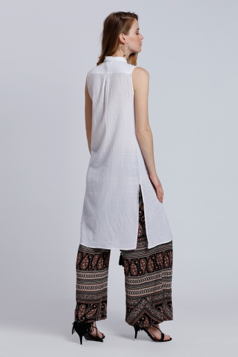 Long Sleeveless Shirt Tunic with Slits and Complete Button Placket