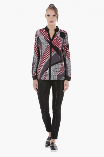 Printed Shirt with Full Sleeves and Collar Neck in Regular Fit