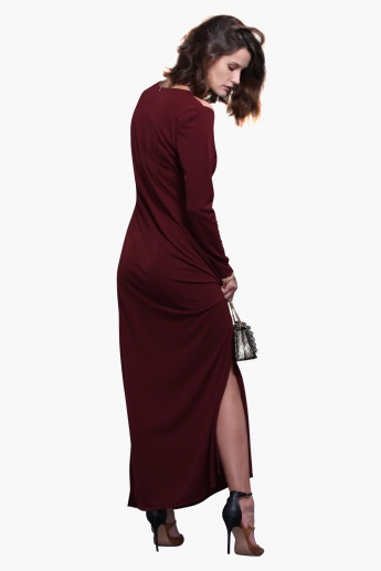 Knitted Long Sleeves Cold Shoulder Maxi Dress with Side Slits