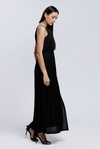 Sleeveless Maxi Dress with Round Neck