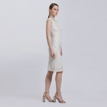 Sleeveless Embroidered Dress with Round Neck and Hook Closure