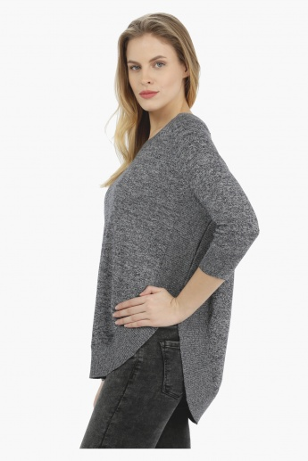 Knitted Round Neck Top with 3/4th Sleeves