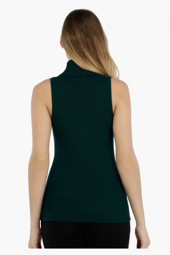 Sleeveless Sweater with Turtle Neck