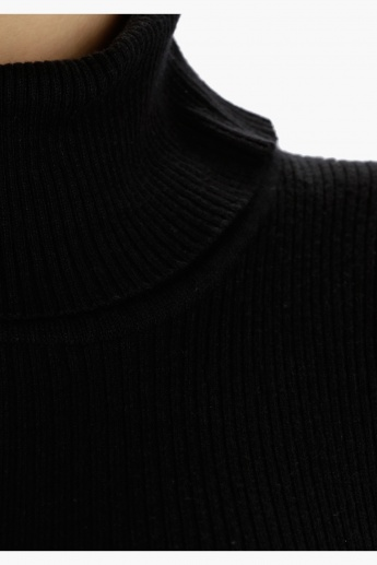 Sleeveless Turtleneck Ribbed Sweater