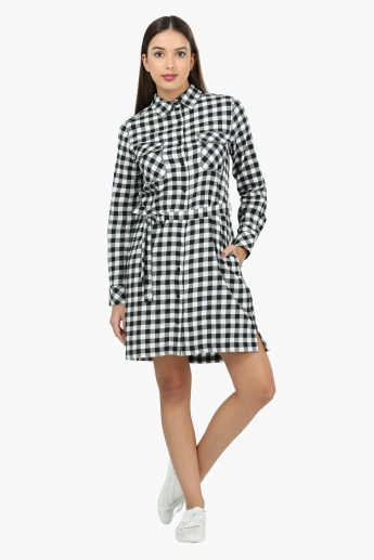 Chequered Long Sleeves Woven Top with Front Pockets