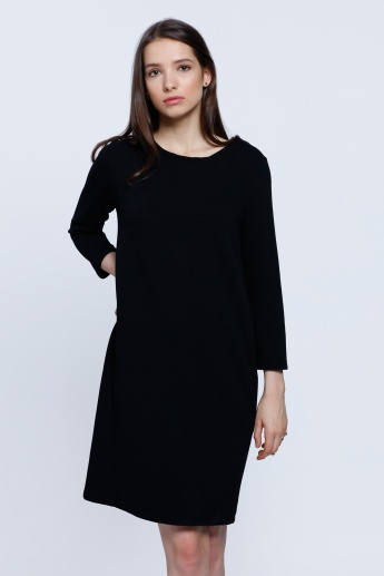 Round Neck Dress with 3/4 Sleeves and Zip Closure