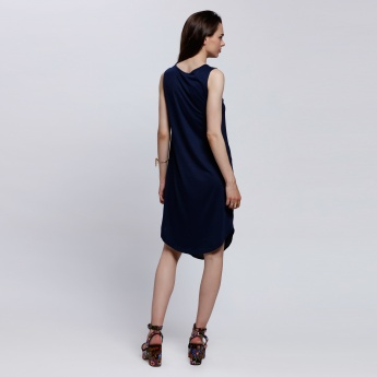 Sleeveless Dress with Round Neck and Flap Pocket