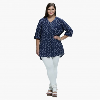 Plus Size Printed Top with V-Neck and Long Sleeves