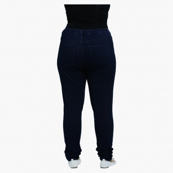 Plus Size Jeans with Narrow Leg and Elastic Waist
