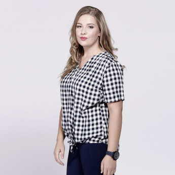 Chequered Shirt with Short Sleeves and Tie Up Hem