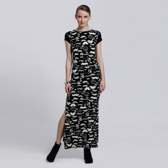 Smiley World Printed Dress with Short Sleeves and Slits