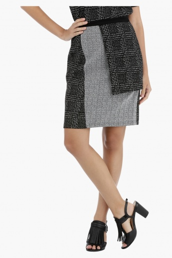 Asymmetrical Overlay Panel Skirt
