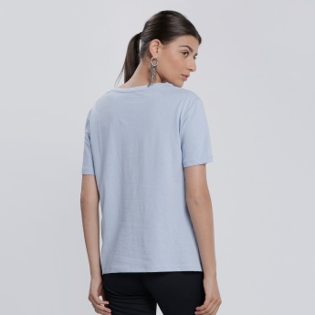 Textured Round Neck T-Shirt with Short Sleeves