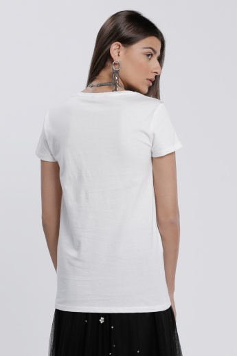 Embroidered T-Shirt with Short Sleeves and Round Neck